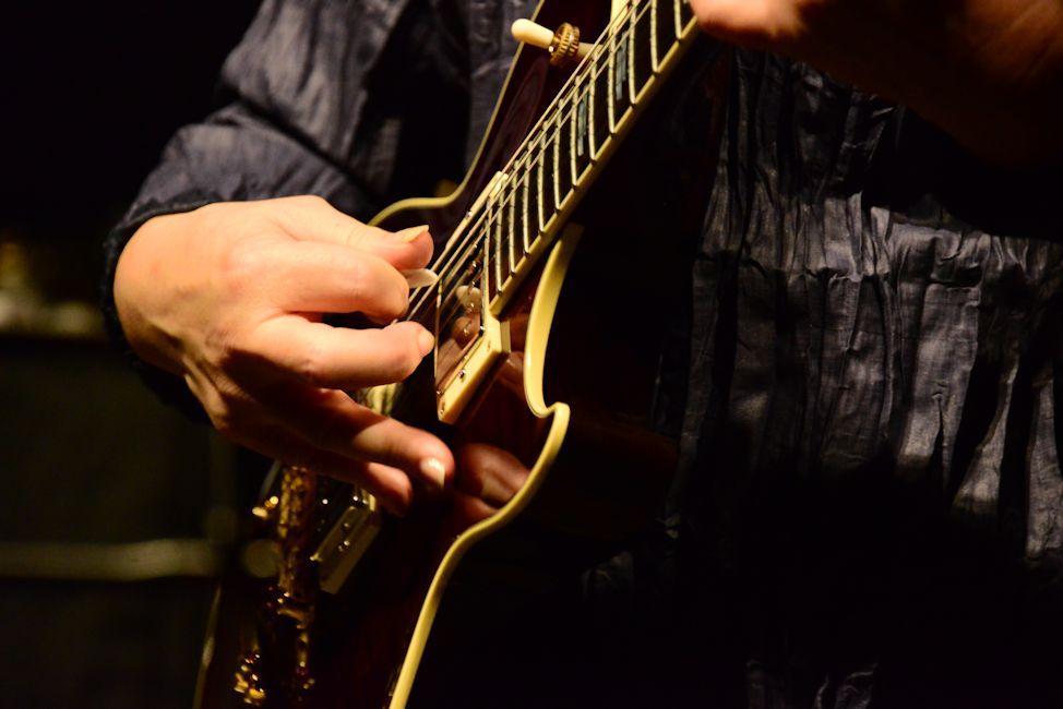 ギターの持ち味を生かしてプレイするのが楽しくなる…そんな印象のピックアップに出会いました。「渡辺香津美」